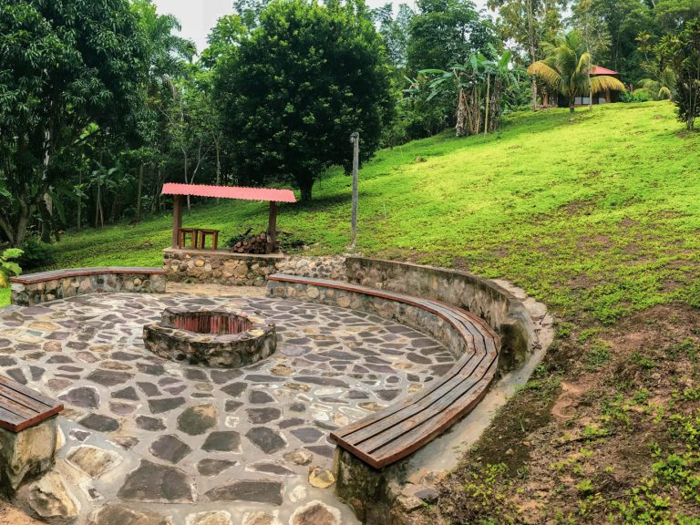 """The world of the healers of the Amazon"" – a trip to the world of Kuranderos Shipibo"